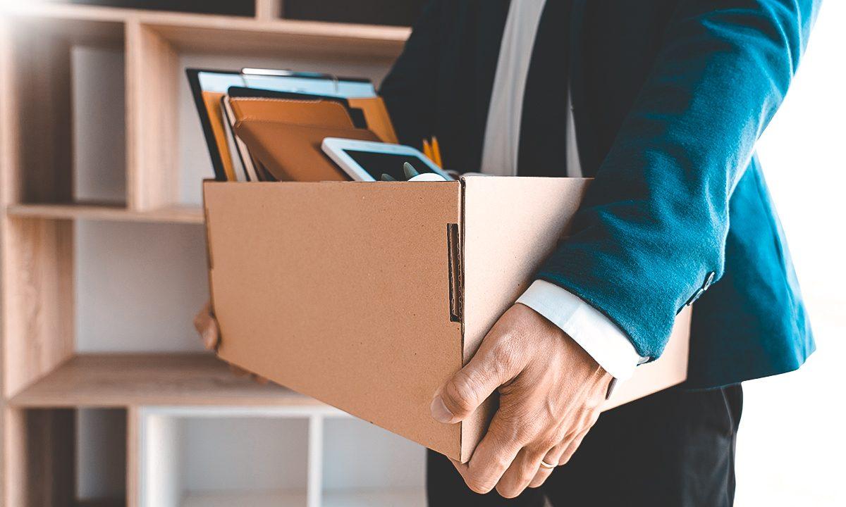 هل الاستقالة من العمل والتوجه لعمل آخر علامة على الفشل؟