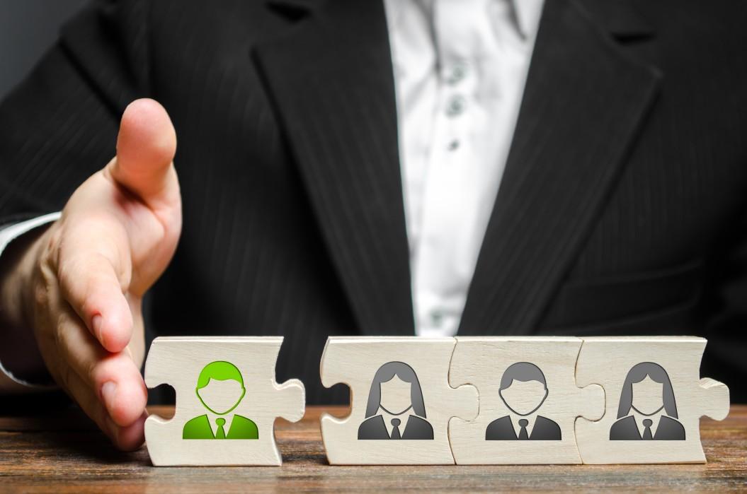 """لماذا يعد """"التوجيه"""" أحد أهم الأمور للموظفين الجدد؟"""