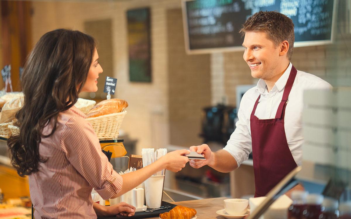 لماذا تصدر المتاجر بطاقات لزبائنها ضمن ما يعرف بـ نظام ولاء العملاء ؟