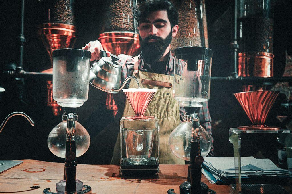 القهوة المختصة القيمة المضافة واستخدامها في التسويق